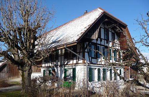 Atelier arba architekten mehrfamilienhaus aarberg for Holzkubus haus